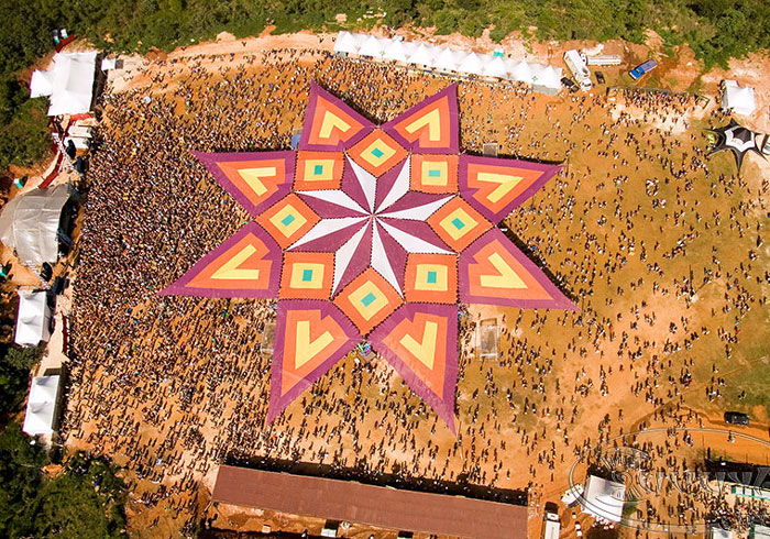 90m Tent Tribe - 2006