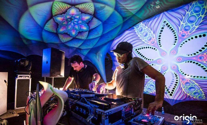 the commercial hippies psytrance